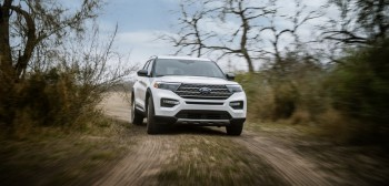 ford-explorer-king-ranch-2021-1